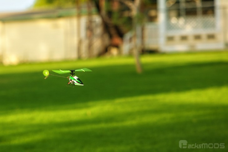 hisky_hcp100_green_grass_flying
