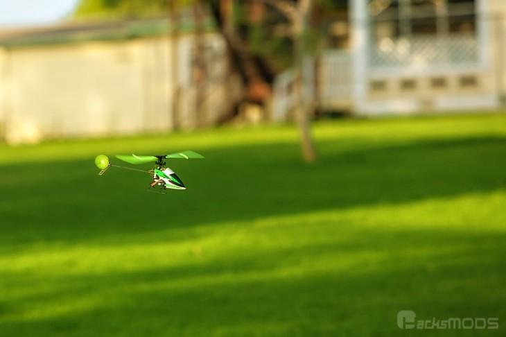 hisky_hcp100_green_grass_flying